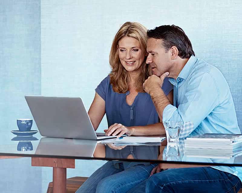 Ehepartner bei der Einkommensteuererklärung.